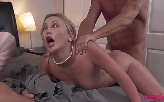 No 1 truly knows how 2 couples completed up romping in the same couch and exchanging fucking partners